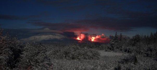 plosky-tolbachik-volcano-erupts-in-kamchatka-3-630x280